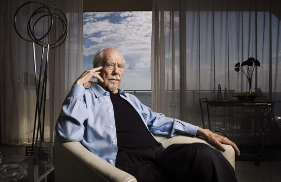 Portrait of American director Robert Altman in his home on September 26, 2005.