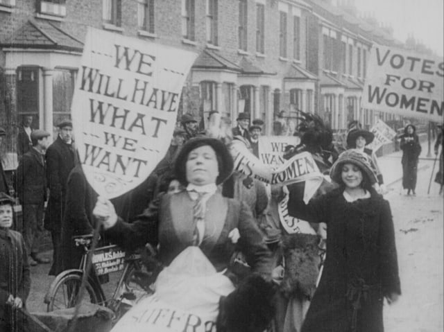 protesting-suffragettes-early-1900s1 (640x479)