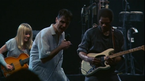 stop-making-sense-1984-tina-weymouth-david-byrne-alex-weir-pic-4